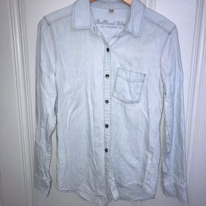Bullhead Black light wash shirt